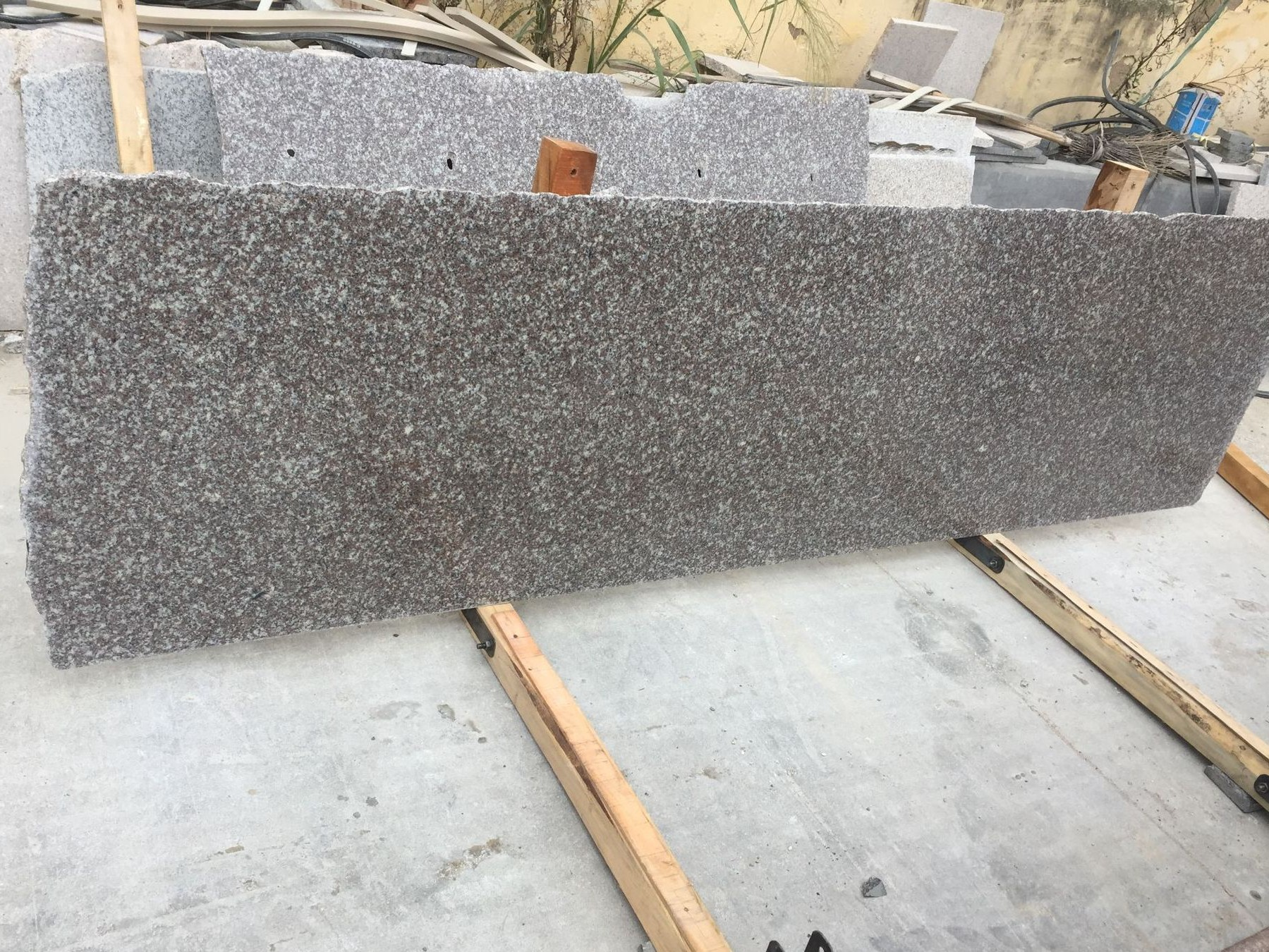 G664 Small Slabs