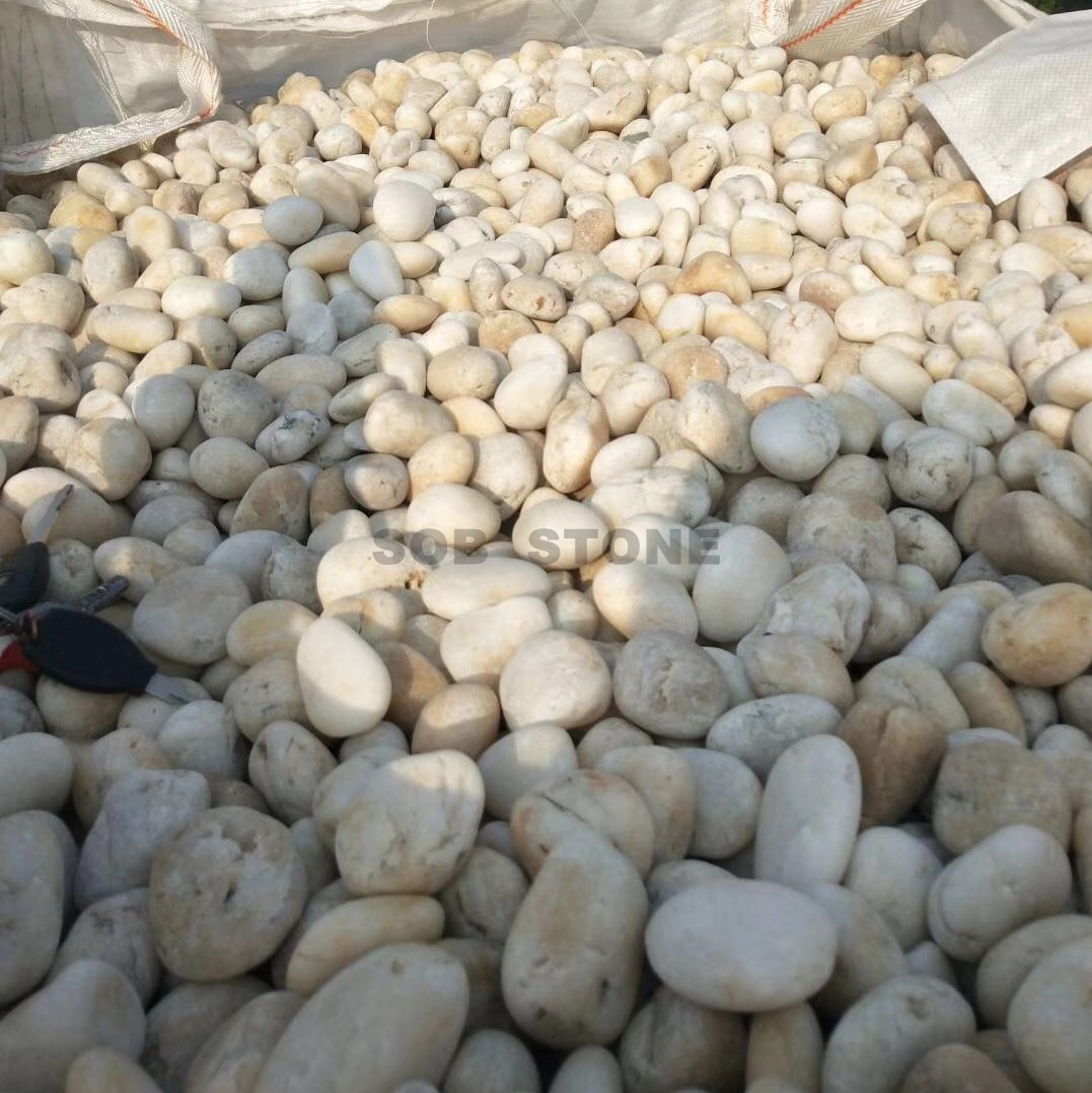 White Pebbles Polished C Grade