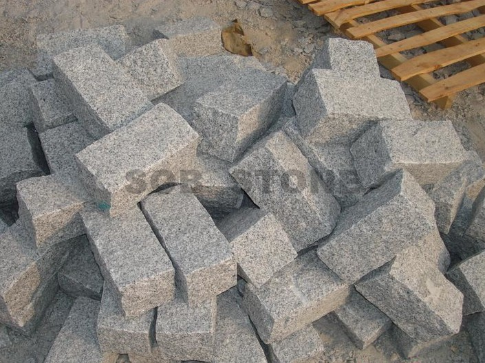 G603 Grey Granite Cubes Natural Split 20x10cm Brick Pavers