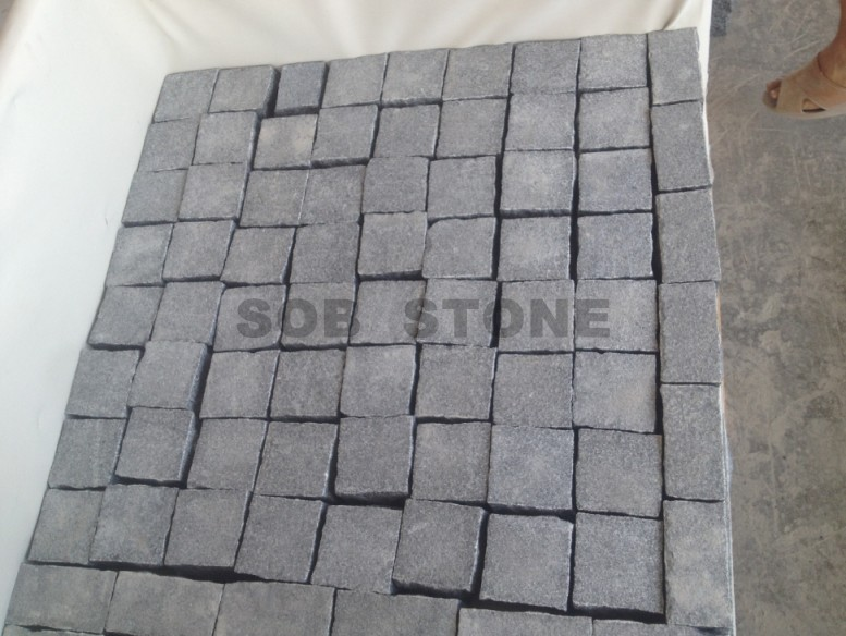 G654 Dark Grey Granite Cubes Paving Stone