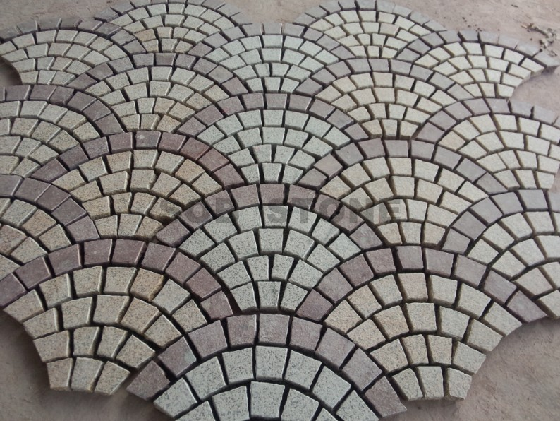 G682 Rusty Yellow Granite Cobbles Fan Shape Paving Stone