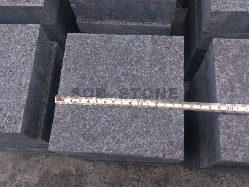 G684 Black Basalt Flamed Cobble Block Paving Brick